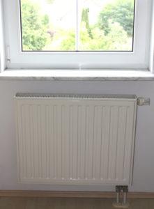 Flachheizkörper Einbauort unter Fenster Haustechnik-Wissen